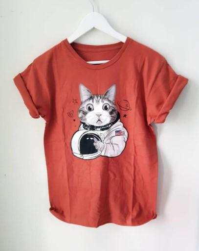 Kaos kucing astronot